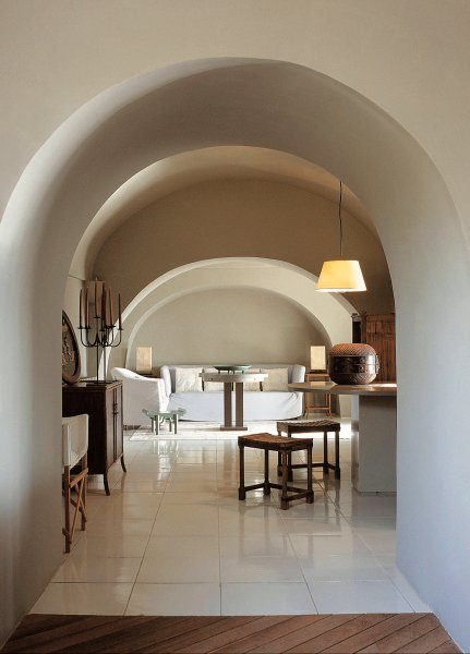 Armani 39 s holiday home in pantelleria is designed by for Giorgio armani architetto
