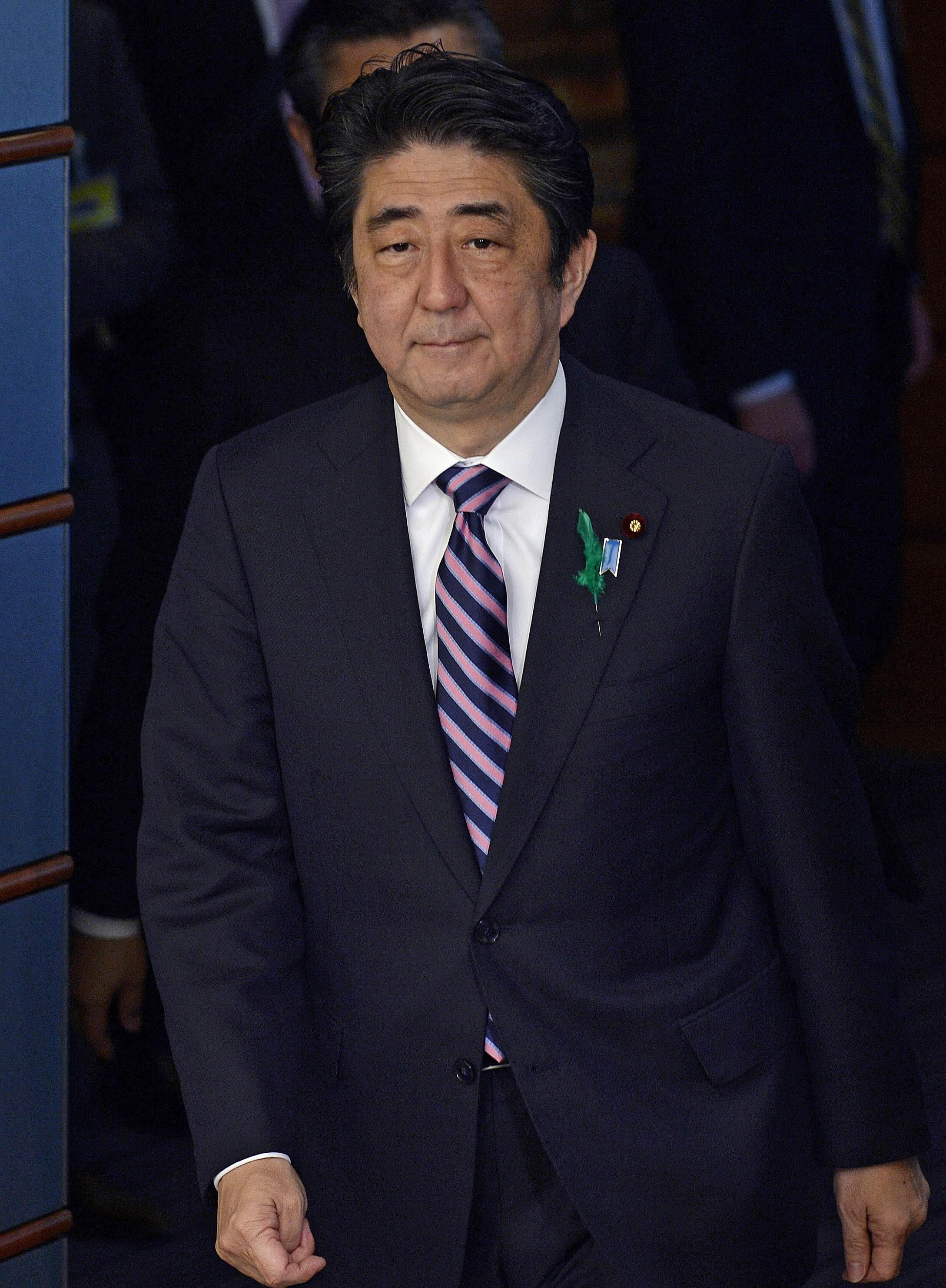 Minister Abe sends Yasukuni war Prime to but shrine Japan offering ZHRpxw5npq
