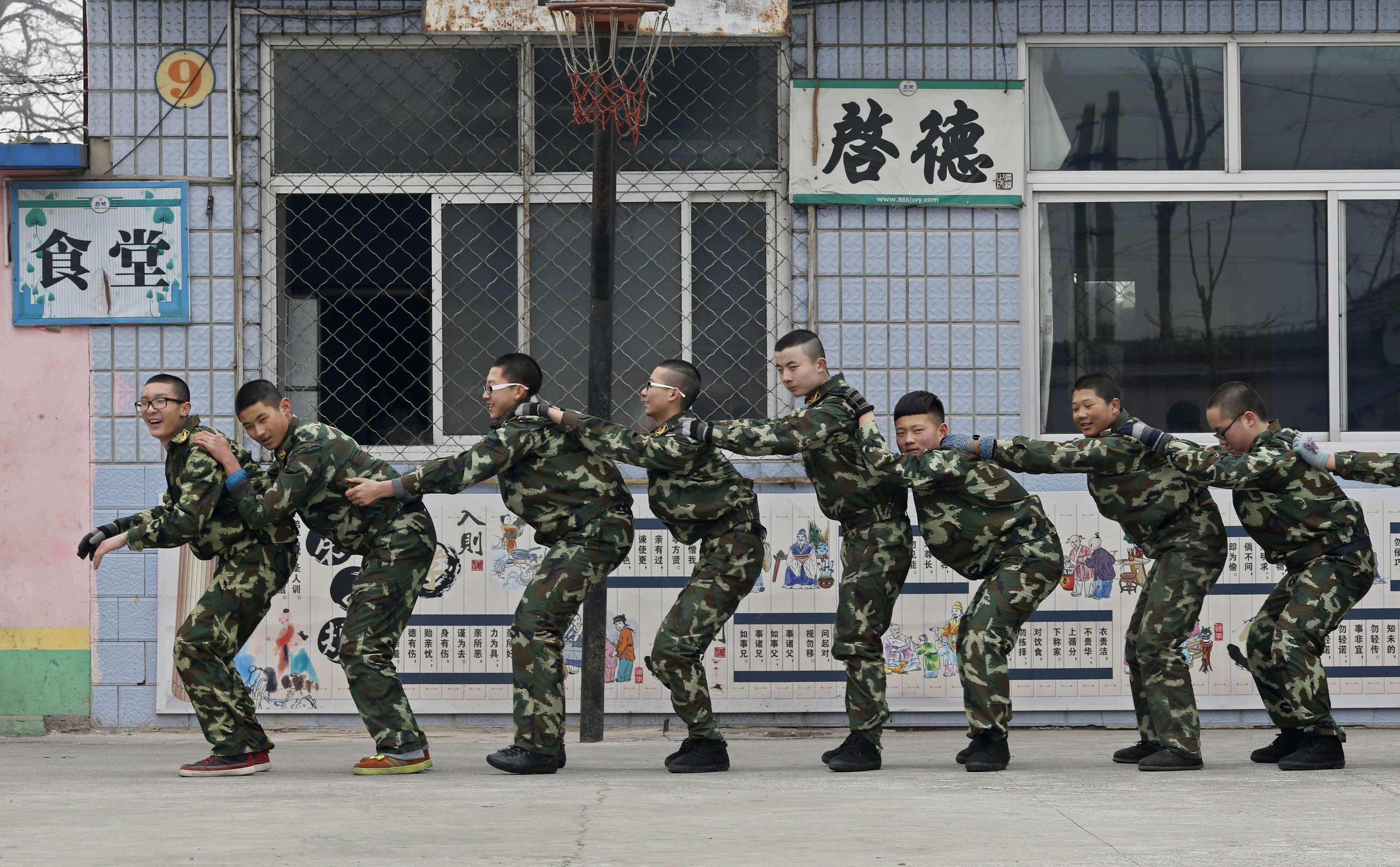 Секс на военные лагеря 8 фотография