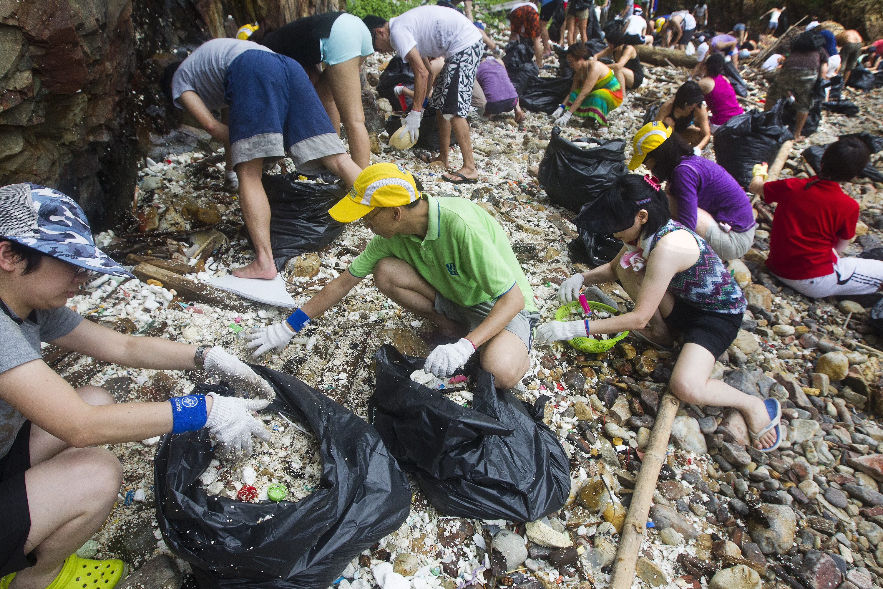 research on garbage disposal in the philippines The stink of rotting waste haunts the area around the disposal the 3,000 scavengers now working at the waste household waste by 2025 in the philippines.