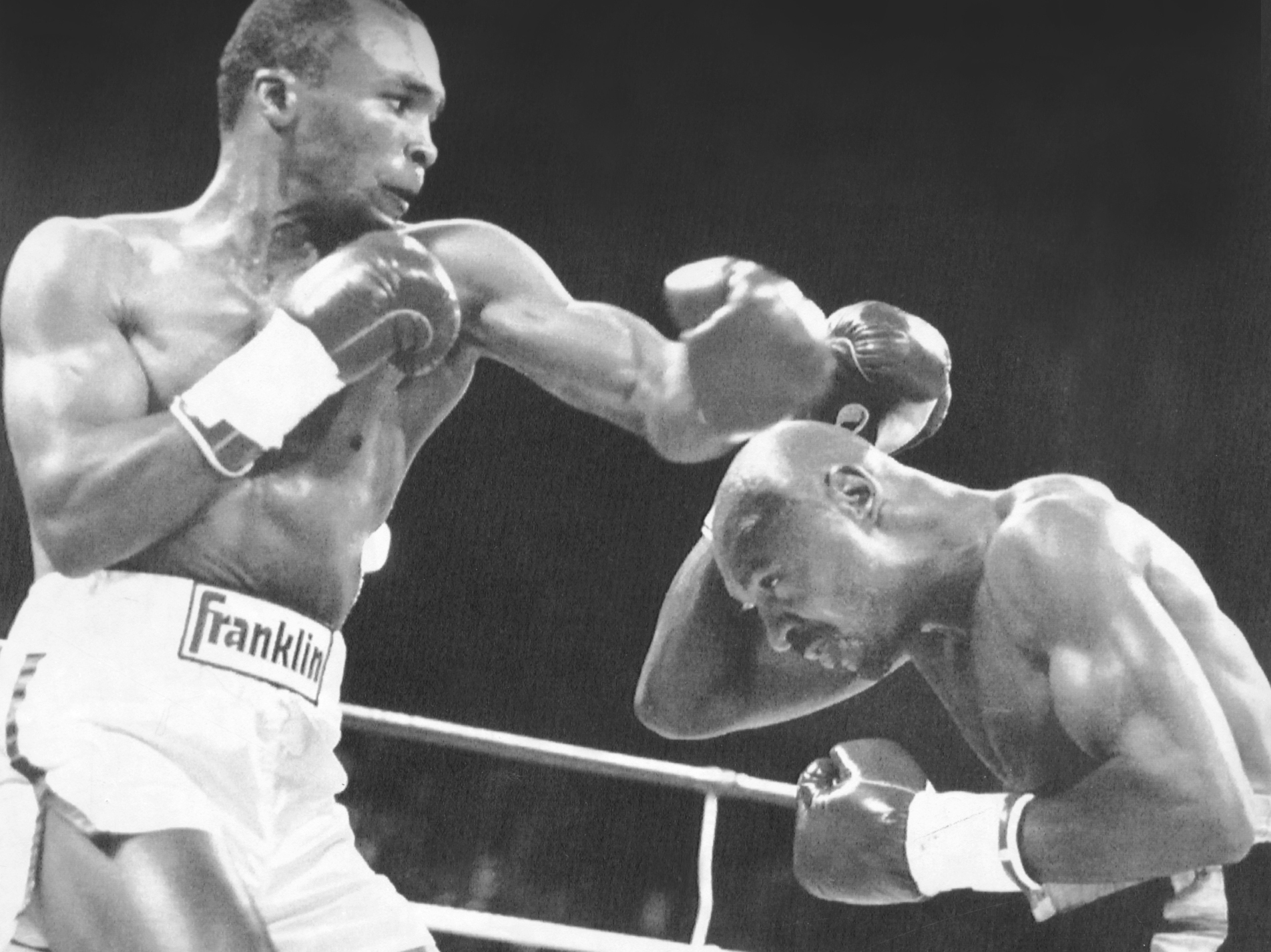 sugar ray leonard the greatest career the boxing world had produced Sugar ray leonard (1987) he only made a cameo appearance at middleweight but it was an oscar-winning performance leonard's 1987 upset of marvin hagler is arguably the finest comeback in boxing history.