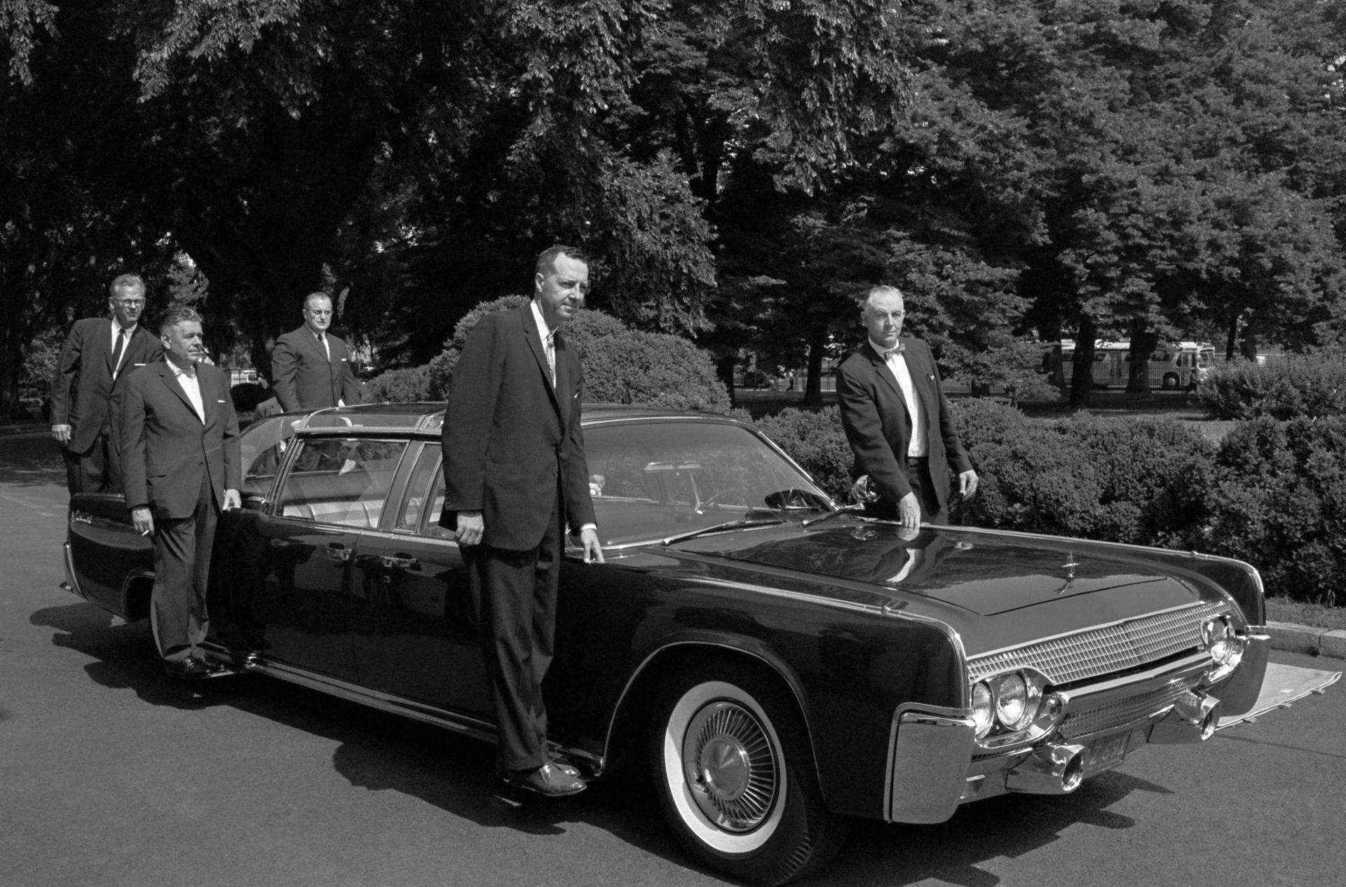 3be61d6fd76a2e82be017eea22d2da40 Fascinating Lincoln Continental Used In Hit and Run Cars Trend