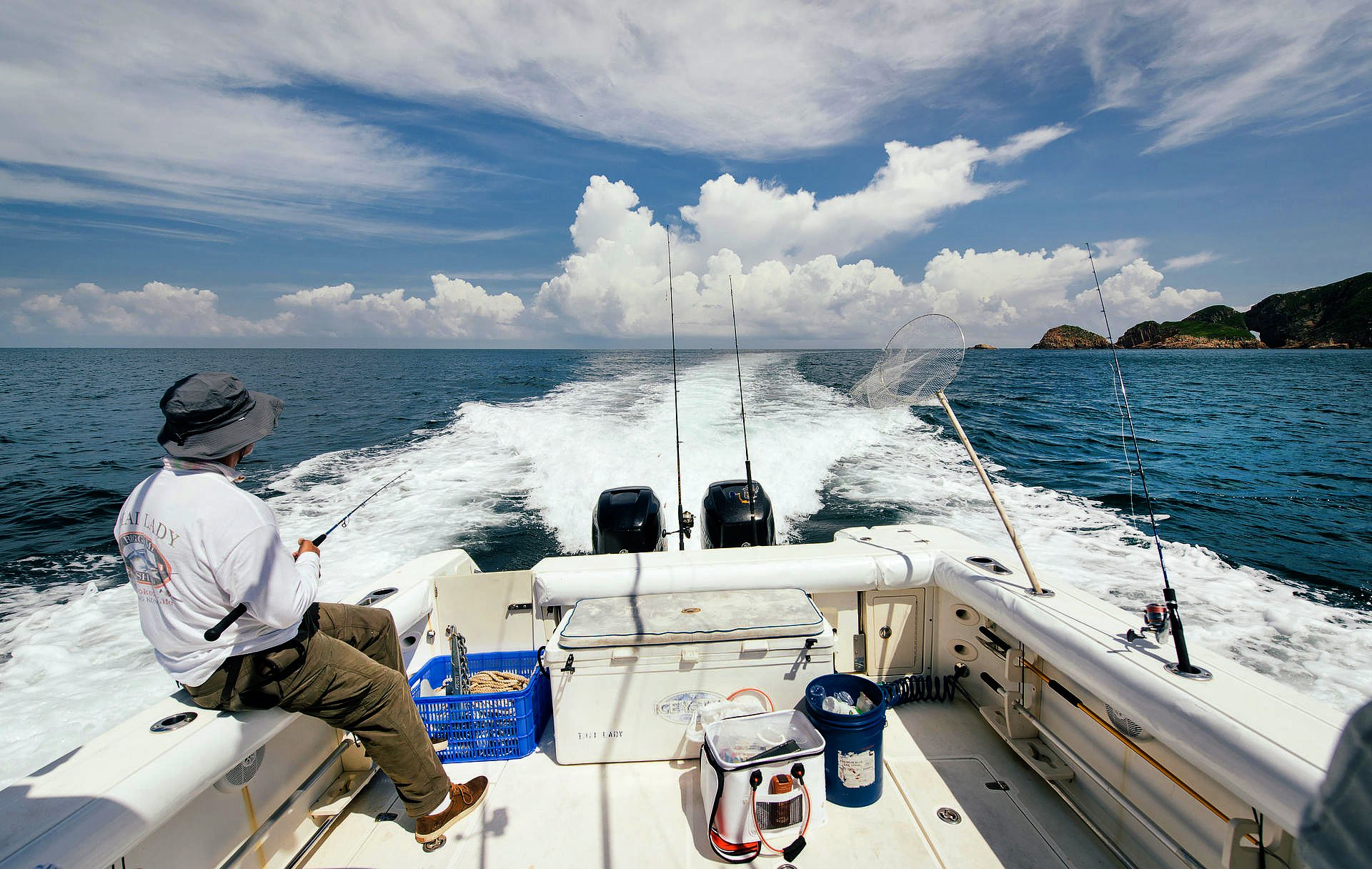 It was this big how sport fishing in hong kong keeps on for Put in bay fishing charter