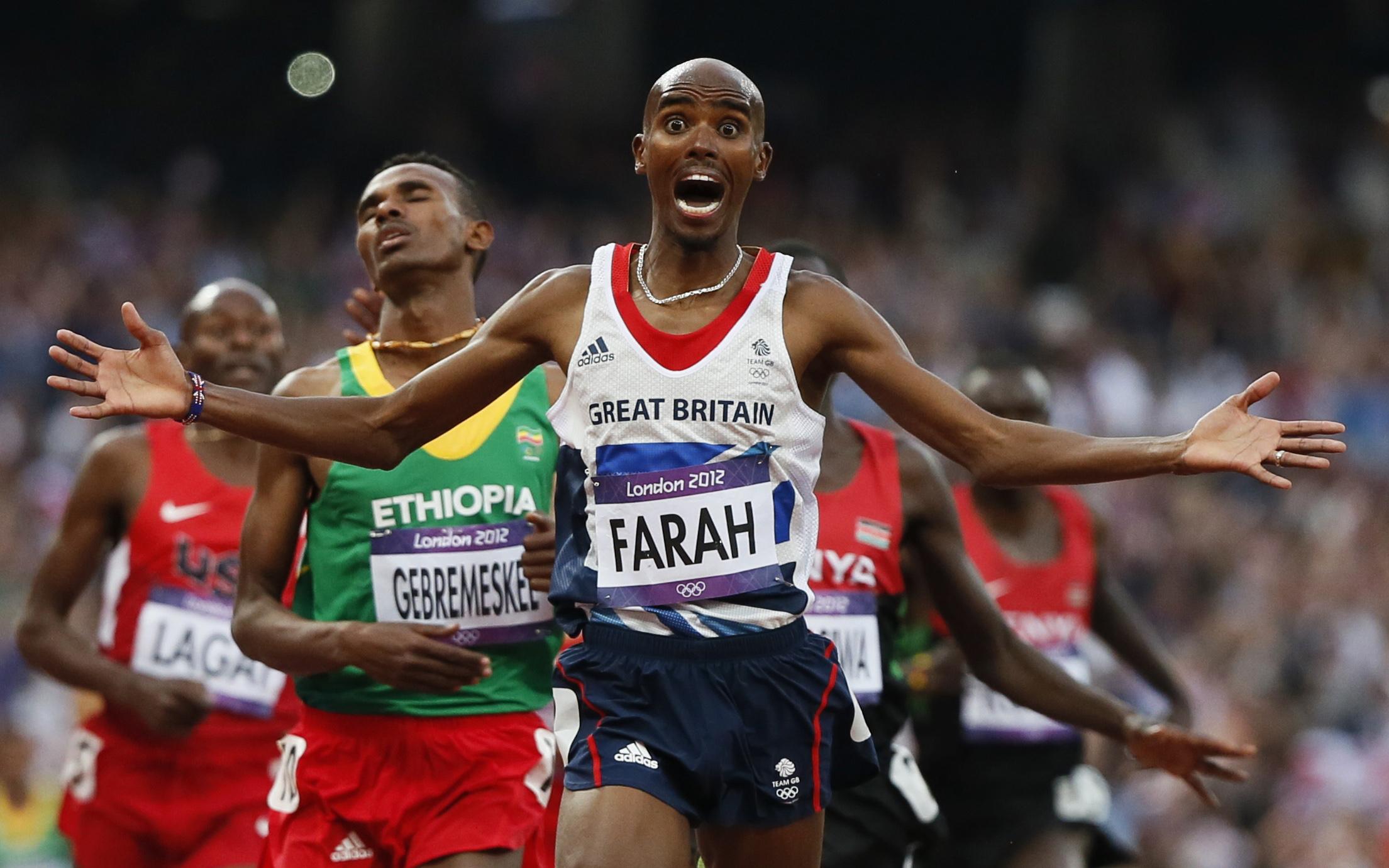 britain 39 s mo farah makes history by defending 10 000m
