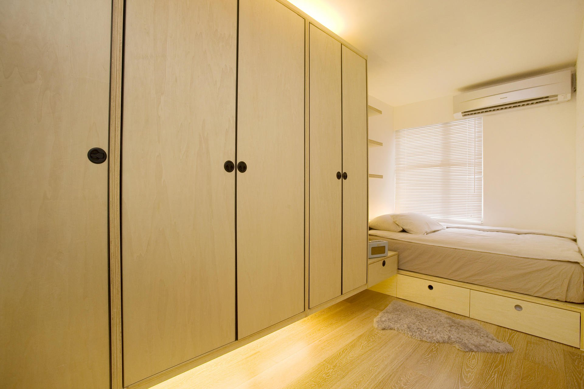 Bigger on the inside: Tricks to create larger spaces in small Hong ...