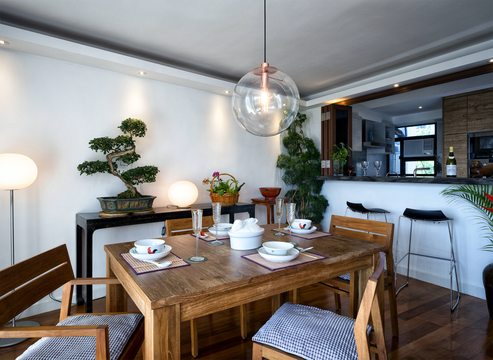 Dining Area The Extendable Table HK16450 Came From Tree And Chairs HK3000 HK3400 With Arms Ovo Home 16 Queens Road East Wan Chai