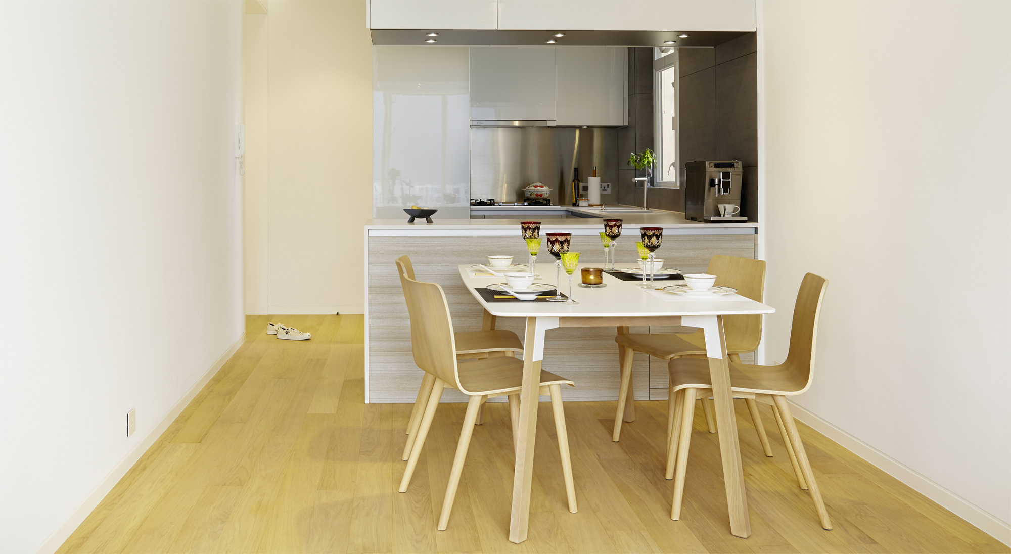 Minimalist Chic A Hong Kong Apartment Shows How It 39 S Done