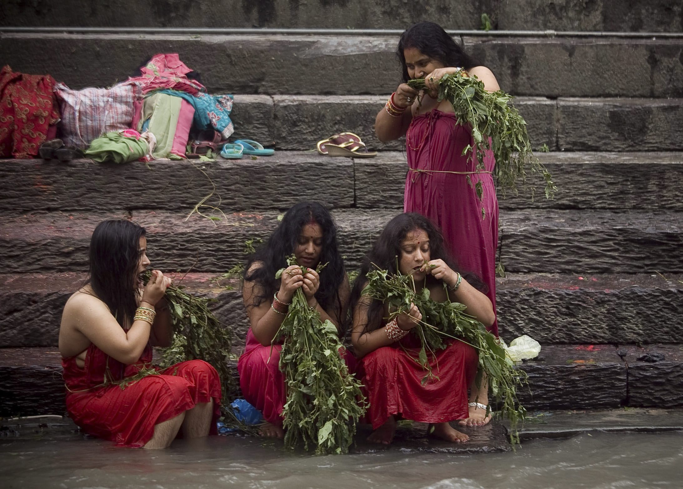 Traditional Sacred Bathing in Nepal 64