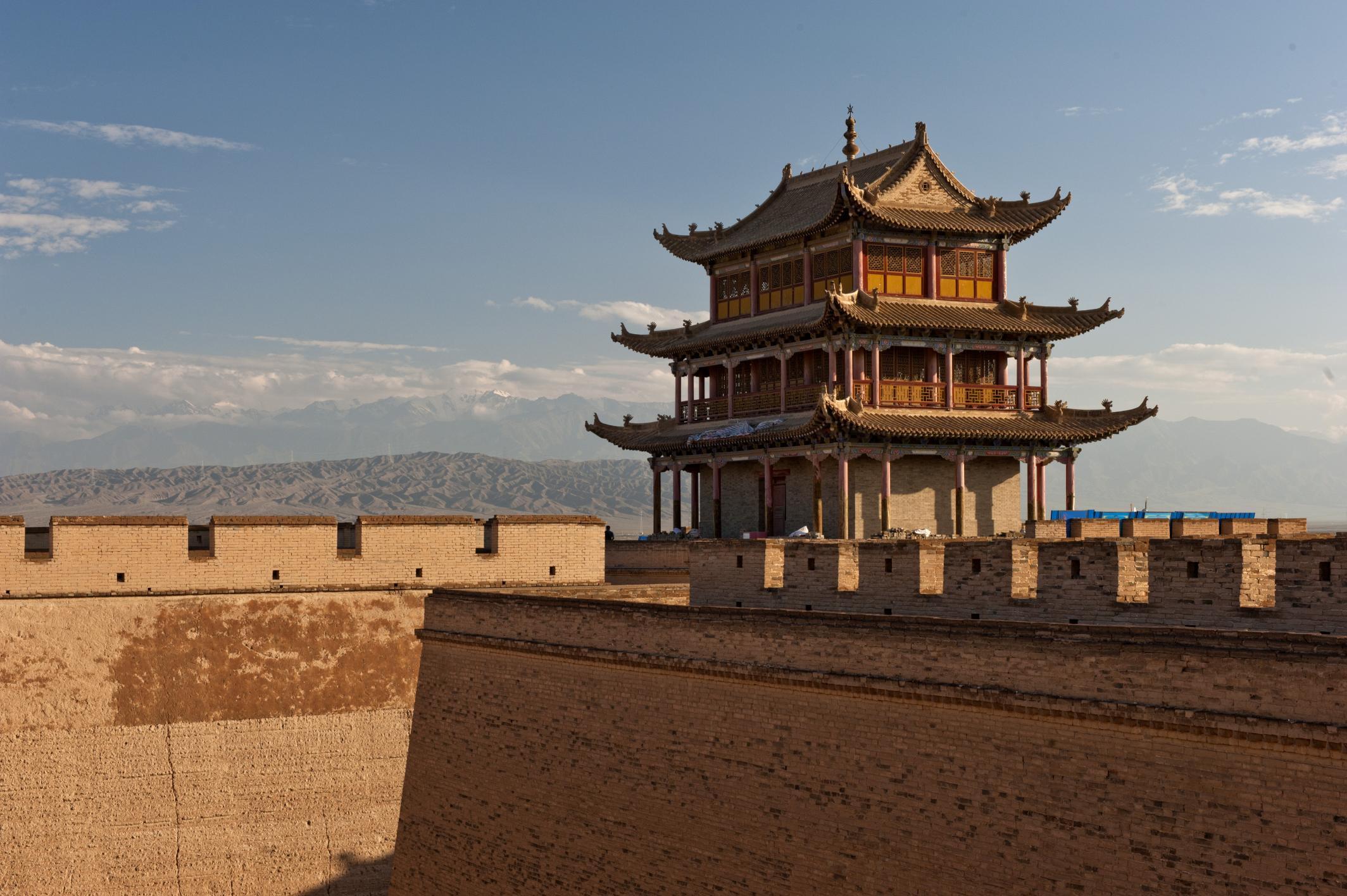 Родился в 259 г до нэ в 13 лет стал правителем царства цинь - одного из 7 царств