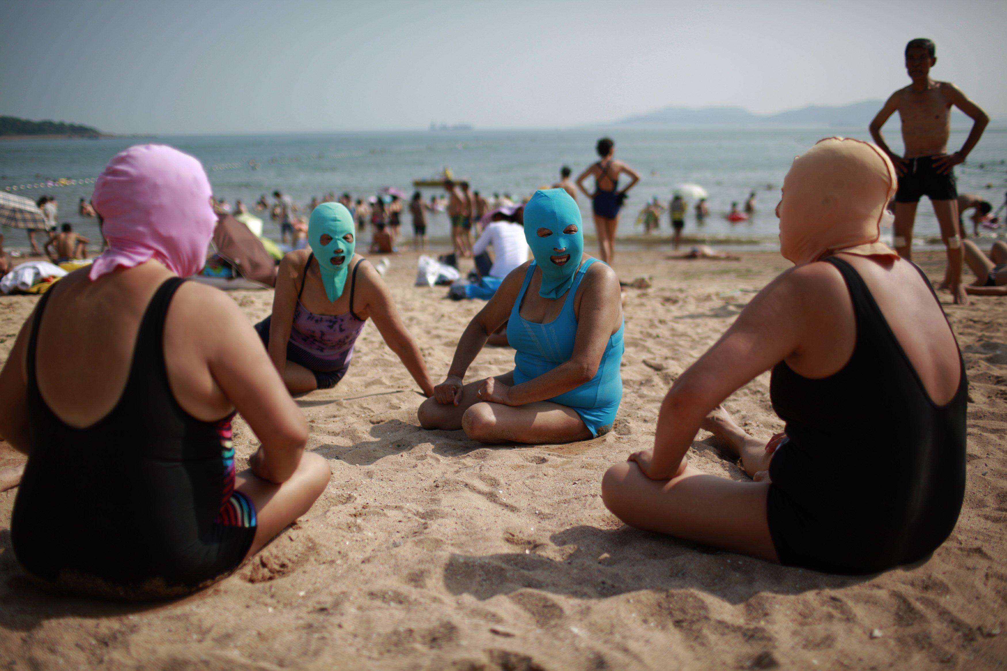 Китаянки на пляже 19 фотография