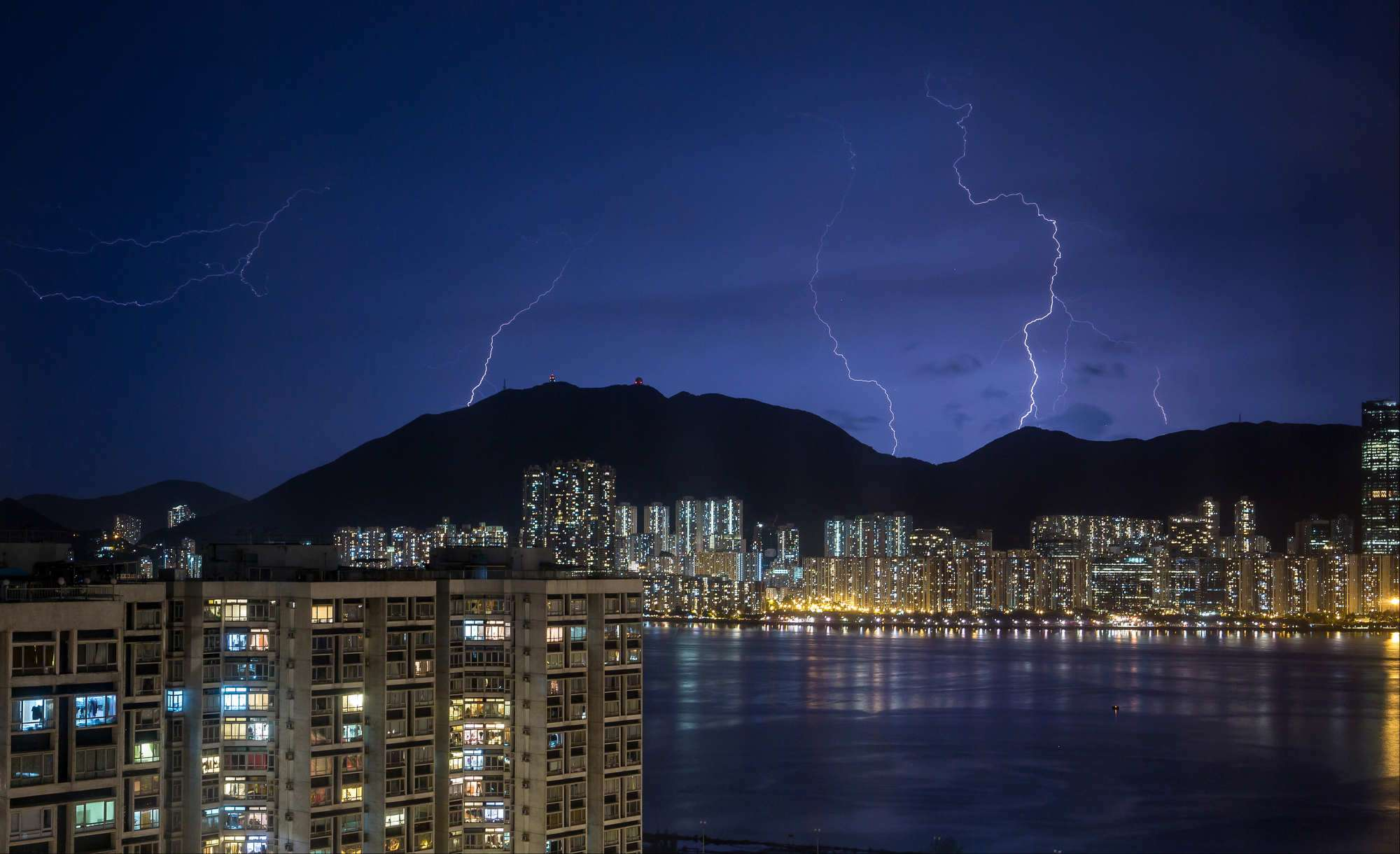 In more than five hours up to 12am the Observatory recorded 5905 cloud-to-ground lightning strikes most of them hitting Lantau Island and the New ... & 10000 flashes of lightning: Hong Kong marvels at the might of an ...