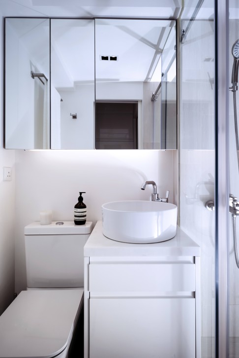 Architect makes small flat a tranquil haven in heart of for Small bathroom design hong kong