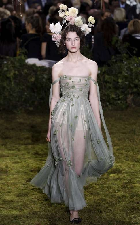 Fashion cheers Chiuri\'s magical Christian Dior haute couture debut ...