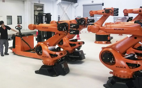 China's robot makers could see a growing market as traditional manufacturers look to automate their plants. Photo: Reuters