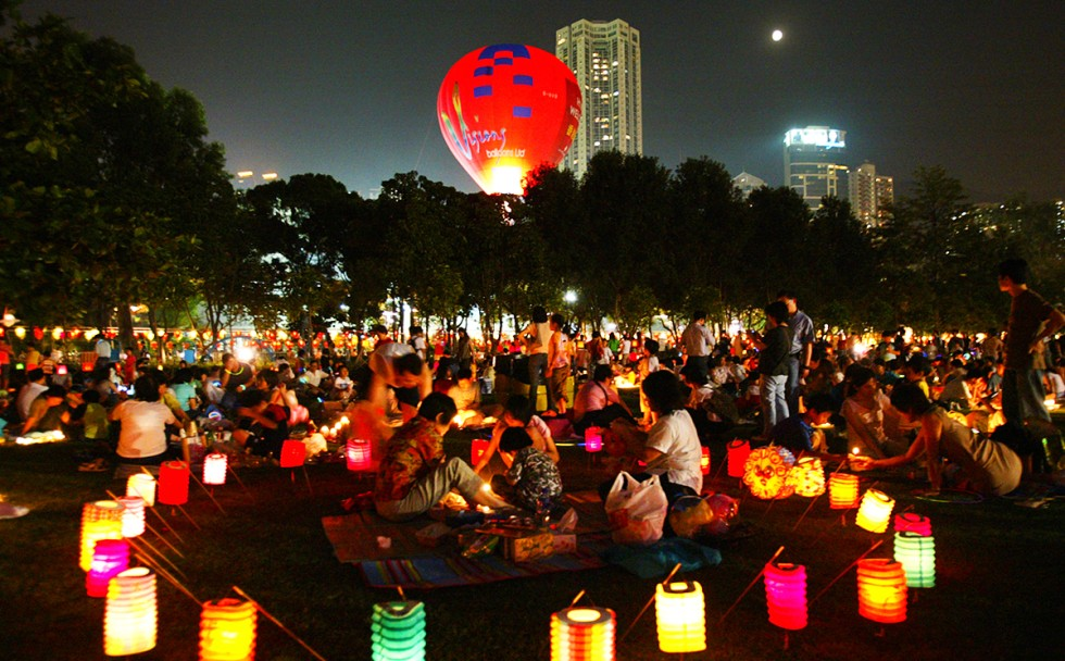 Don T Look For The Moon This Mid Autumn Festival You Won